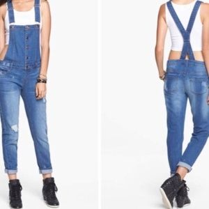 NWT Love Fire Denim/ Jean Distressed Overalls